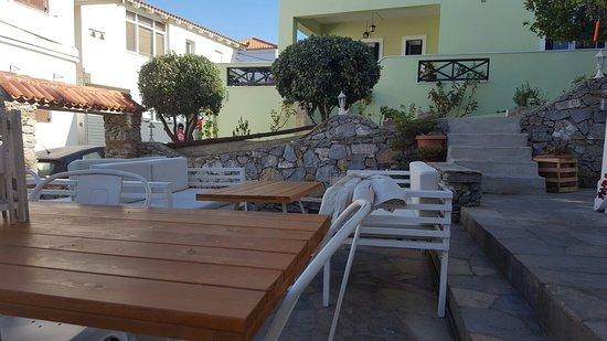 Batsi, Yunani: 20160815_091553_large.jpg