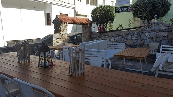Batsi, Yunani: 20160815_091549_large.jpg