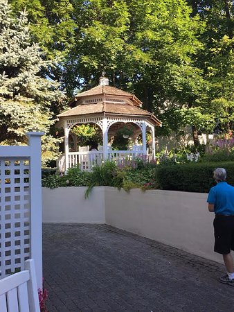 Harbour View Inn: The gazebo. (Unknown person in the photo.)