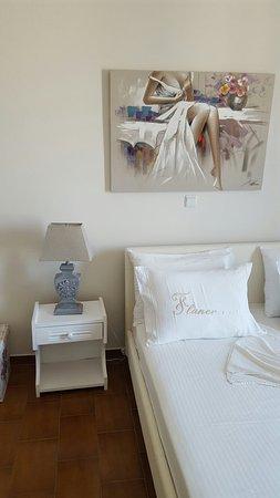 Batsi, Hellas: junior suite- breakfast area
