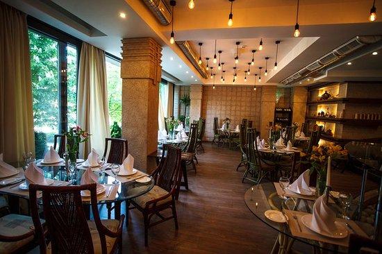Fusion Restaurant Jeraffe: Interior