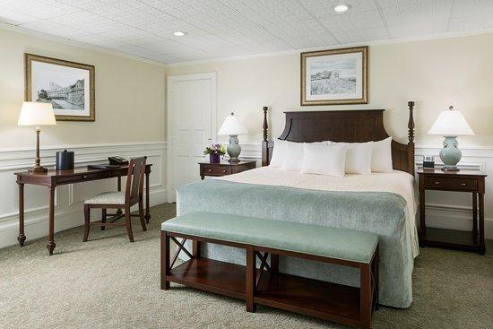 إن آت بوكونو مانور: Main Lodge King Bed