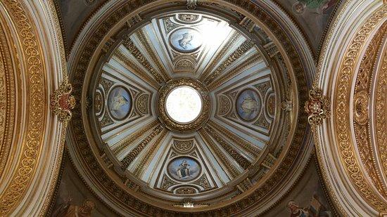 Sant'Antonio dei Portoghesi: 20160818_165629_large.jpg