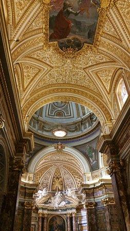 Sant'Antonio dei Portoghesi: 20160818_165544_large.jpg