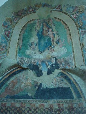 Amatrice, إيطاليا: Madonna del Rosario (sec. XV?)