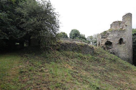 Corseul, Frankrike: Montafilan: weniger Ruine geht kaum