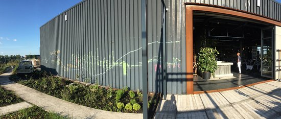 Het dakterras met kruidentuin en trabant foto van restaurant bureau amsterdam tripadvisor - Dakterras restaurant ...