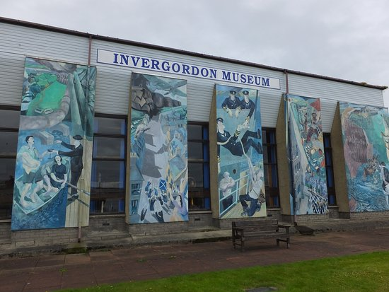 The back of the museum, showing one of the 11 murals of the Invergordon Mural Trail