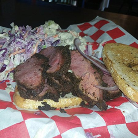 Manitowoc, Wisconsin: A great lunch prepared at Brian's Smokehouse! 
