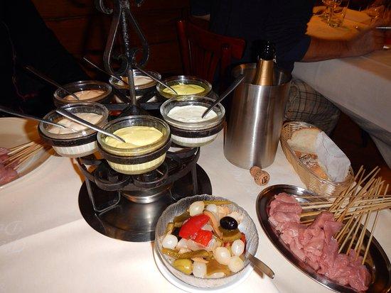Restaurant du Leman: Tout est sur la table et prêt à entammer ce bon repas