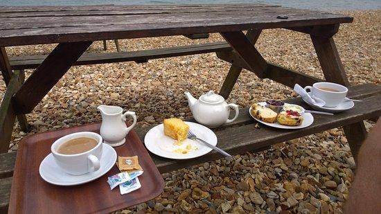 Boat House Pub : Lemon Drizzle Cake & Cream Tea - delicious!