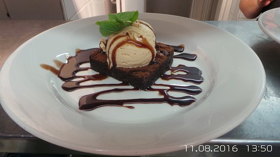 Thatched House: Enjoy our warm chocolate brownie