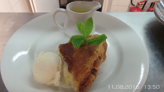 Thatched House: Apple Pie
