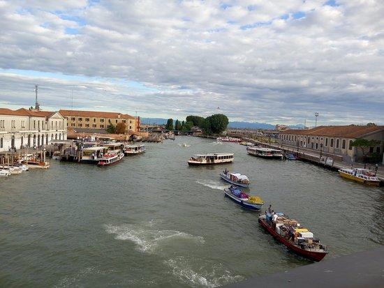 Best Western Hotel Olimpia: view from piazalla roma bridge
