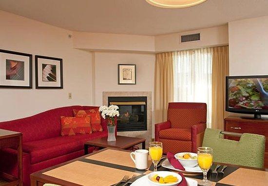 Grandville, Μίσιγκαν: Studio Suite Living Area