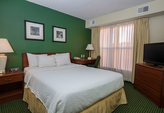 Independence, MO: Two-Bedroom Suite - Sleeping Area