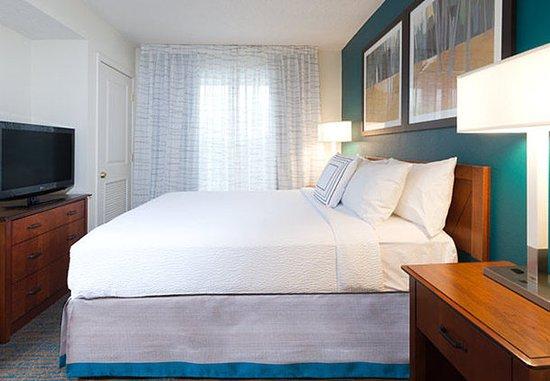 Stanhope, NJ: One-Bedroom Suite - Bedroom