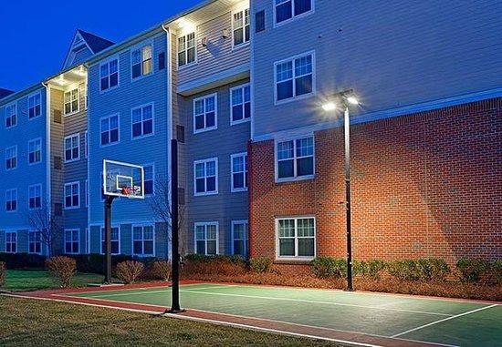 Stanhope, NJ: Sport Court