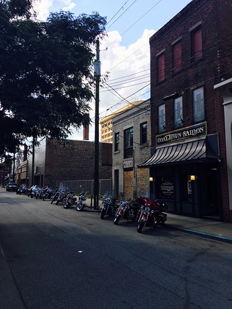 Uniontown, Pensilvania: Coal Town Saloon