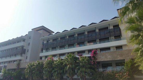 Alba Royal Hotel : 20160813_163608_large.jpg