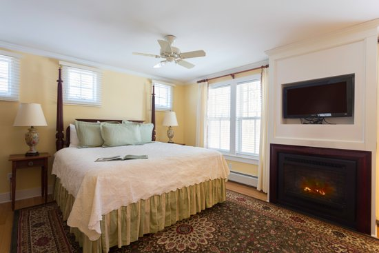 Manchester, VT: Peach Blossom Suite