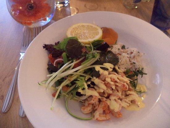 Λέστερσαϊρ, UK: Cornish Crab, Salmon and crayfish salad