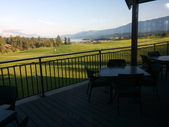 Invermere, Канада: View from hole nineteen