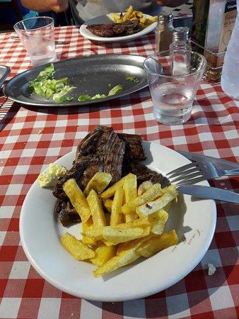 Porqueres, Hiszpania: Carne buonissima!