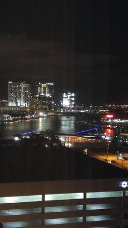 Sheraton Inner Harbor Hotel: Evening View from 9th floor