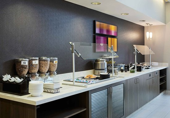 Πόντιακ, Μίσιγκαν: Breakfast Buffet