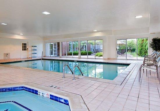 Πόντιακ, Μίσιγκαν: Indoor Pool