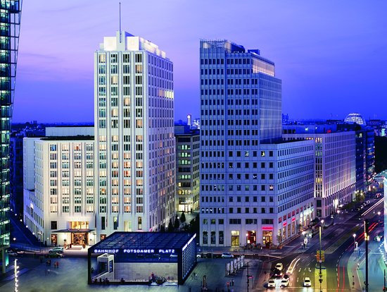The Ritz-Carlton, Berlin: Exterior Night