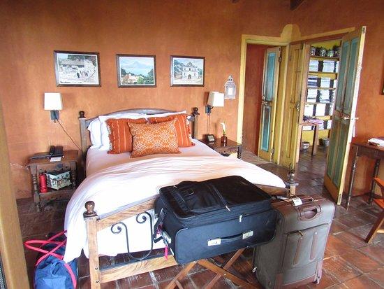 Santa Catarina Palopo, Guatemala: room 5