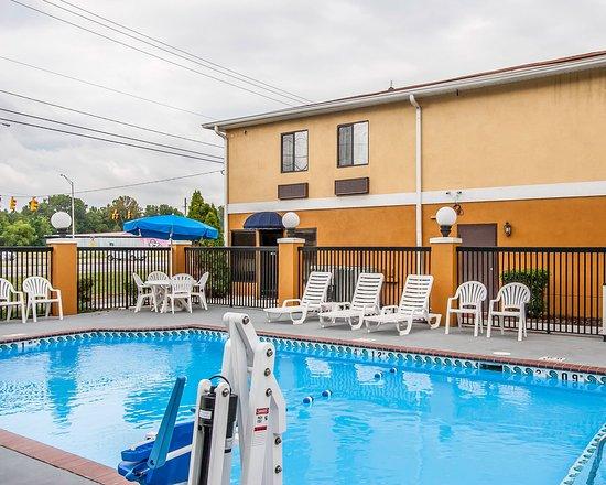 Selma, AL: Pool