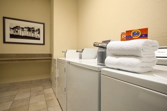 Country Inn & Suites By Carlson, Ventura: All Brand Photos CHIGuest Laundry