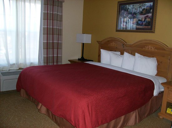 Country Inn & Suites By Carlson, Louisville East: King Suite