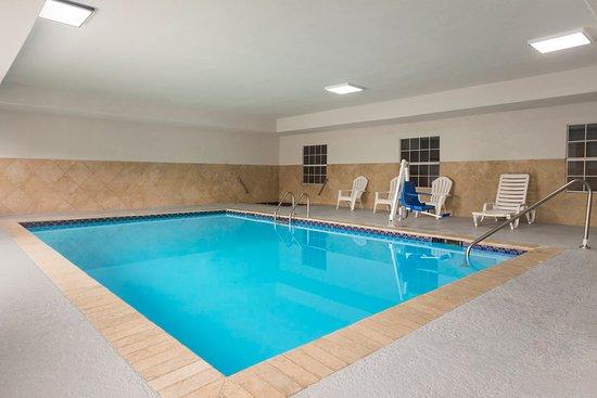 Pearl, MS: Pool