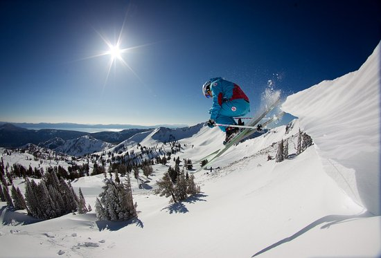 Olympic Valley, Californie : Resort at Squaw Creek_Recreation_Skiing