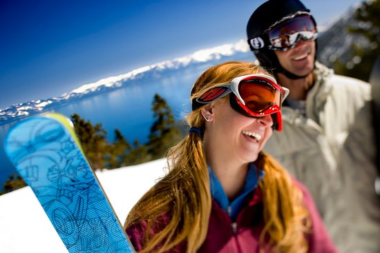 Olympic Valley, Californie : Resort at Squaw Creek_Recreation_Snowboarders