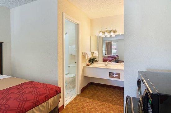 Shamrock, تكساس: Bathroom