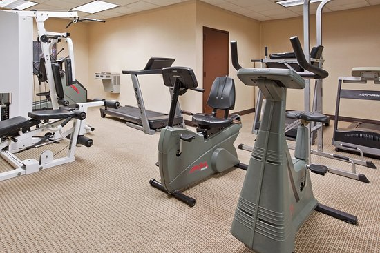Holiday Inn Warren: Fitness Center
