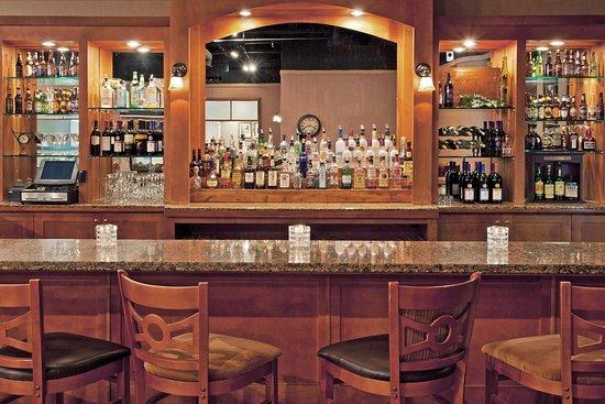 Warren, PA: Bar and Lounge