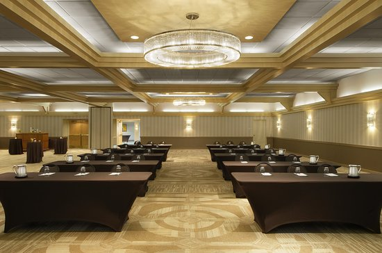 Sunset Hills, MO : Cadillac Ballroom set for Corporate Meeting