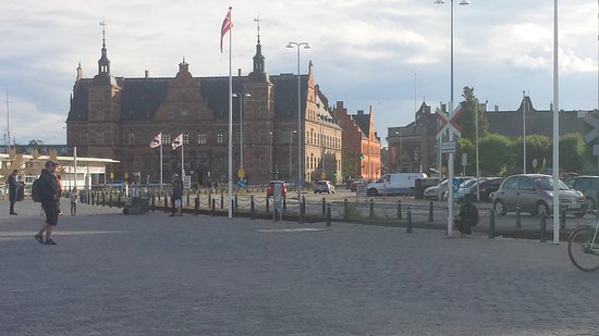 Helsingor Havn: helsingor Train Station building
