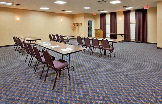 Holiday Inn Express Maryville: Meeting Room