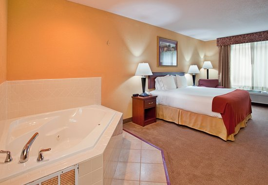 Maryville, MO: Jacuzzi Suite