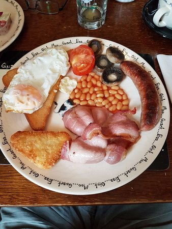 Halstead, UK : Yum, breakfast