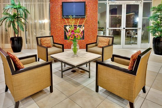 Holiday Inn Southaven - Central: Hotel Lobby