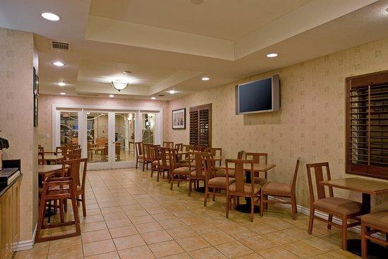 Colton, Kaliforniya: Enjoy our Breakfast Bar and Relax