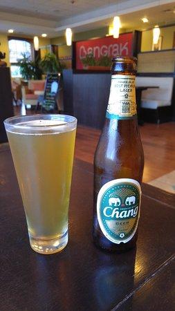 Bangrak Thai Cuisine: Ice cold beer!